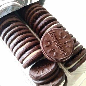 【アイハーブおすすめお菓子】プロテインココアクッキークリームサンド